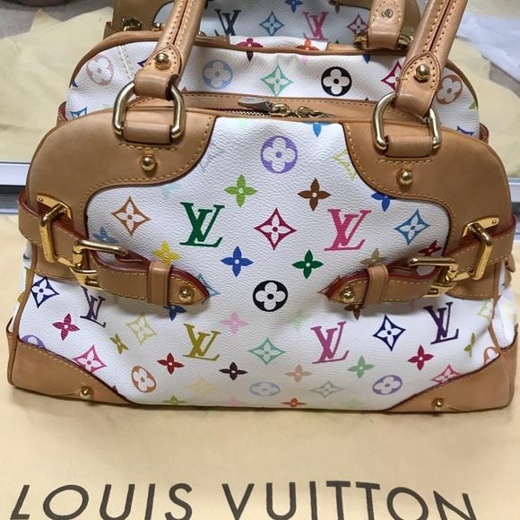 036686dc7054d Louis Vuitton Handbags - 💯 Authentic Louis Vuitton Claudia